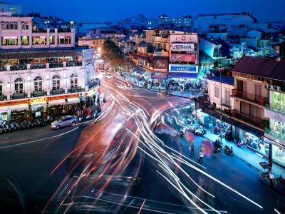 street-traffic-hanoi-vietnam_62298_990x742 (1)